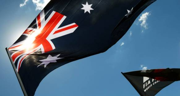 Avustralya Grand Prix Cuma 1. Antrenmanlar - Red Bullar ilk iki sırada