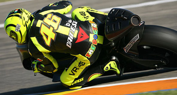 Rossi, omzundan ameliyat oldu