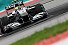 Mercedes GP 2010 aracında pes etmiyor