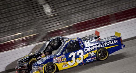 NASCAR Truck - Milwaukee'nin hakimi Benson