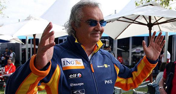 Briatore Piquet'in arkasında!