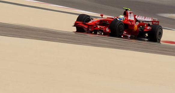 Ferrari Cuma gününü domine etti