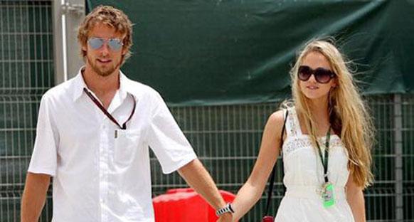 Jenson Button kız arkadaşından ayrıldı