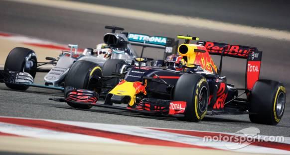 Sainz: Red Bull virajlarda Mercedes kadar hızlı