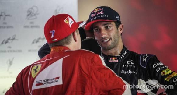 Alan Jones: Ferrari, Raikkonen'i Ricciardo ile değiştirmeli