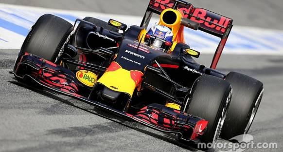 Ricciardo 'Ferrari'ye transferim hala gündemimde'