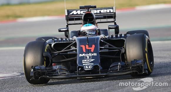 Barcelona testlerinin son gününde Alonso'nun başı yine belada