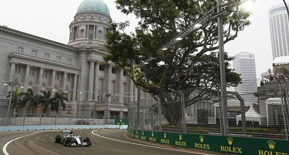 Singapur GP'de ilk antrenmanın lideri Rosberg