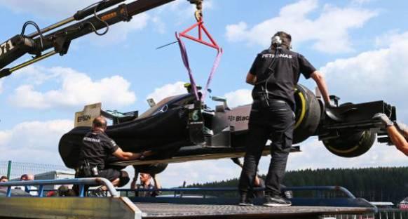 Rosberg, lastik patlamasının ardından güvenini kaybetti