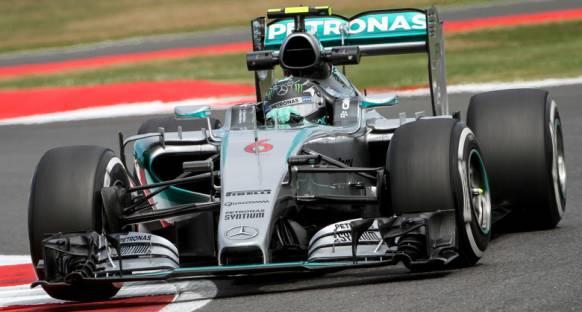 Rosberg: Yağmurda daha fazla pistte kalmalıydım