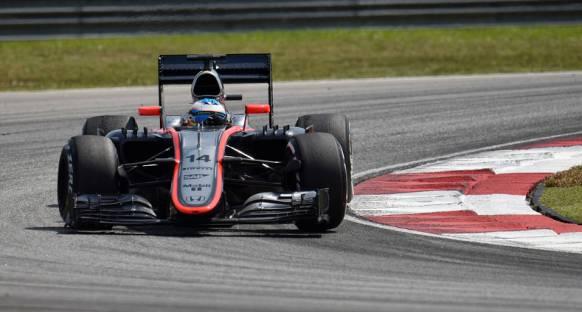 Alonso mutlu ama fit değil