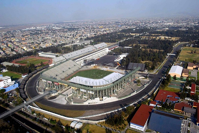 Автодром в Мехіко готовий на 90 відсотків