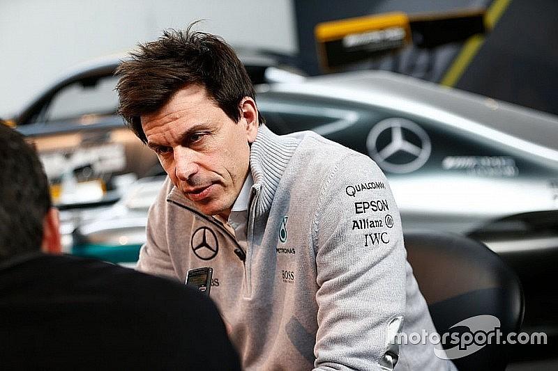 Mercedes применшує своє домінування