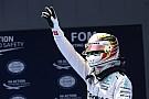 Lewis Hamilton slaat terug: