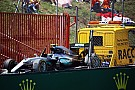Hamilton en Rosberg gaan vrijuit na crash in Barcelona