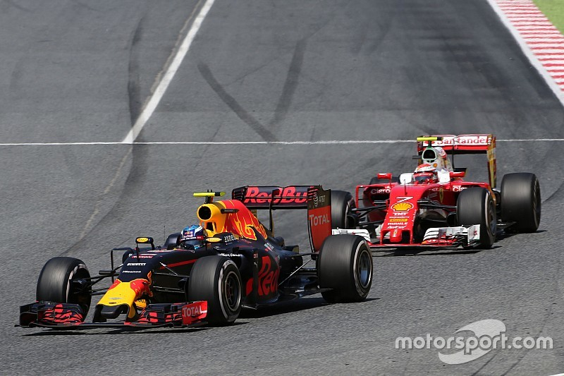 Арривабене назвал причину поражения Ferrari от Red Bull