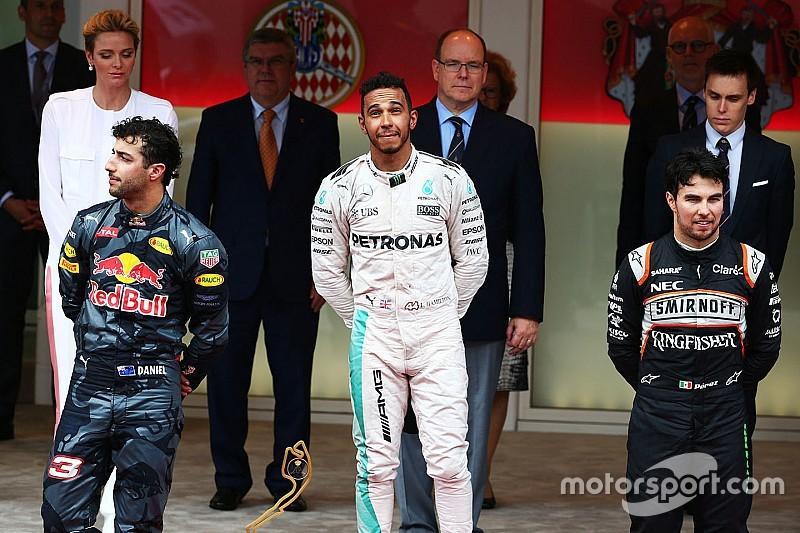 """Ricciardo: """"Twee races achter elkaar genaaid"""""""