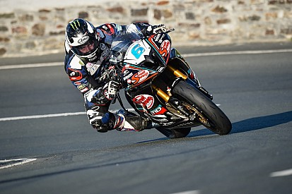 TT 2016, Supersport: Michael Dunlop squalificato!
