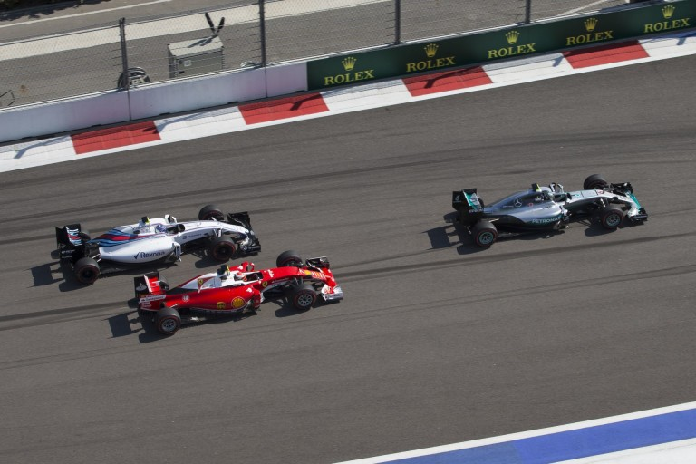 Bottas már érezte a pezsgő ízét Szocsiban, Massa pedig jobban örült volna a 4. helynek!