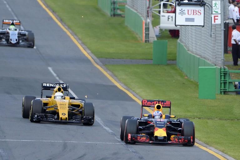 Így darálta be Magnussen Ricciardót Szocsiban: WOW