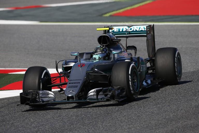 Rosberg nyerte a második edzést Barcelonában Raikkönen és Hamilton előtt: Vettel 4., Sainz varázsolt