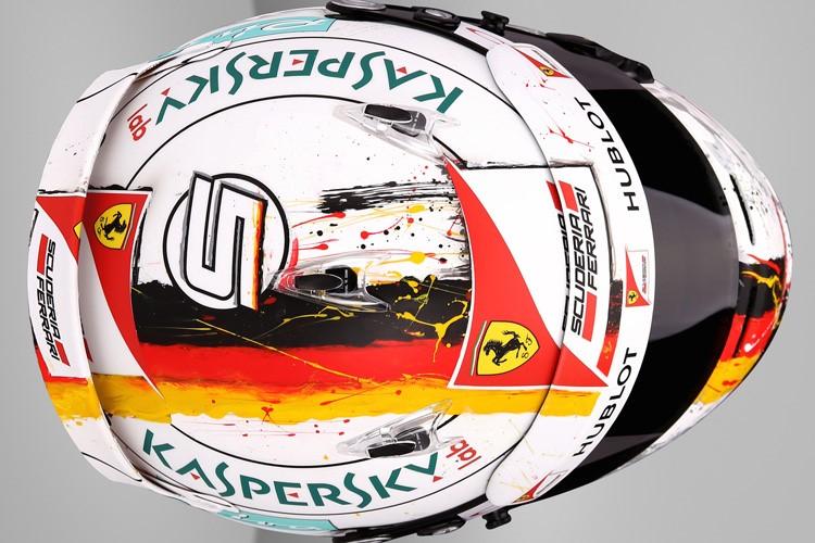 Szétfolyt a zászló Vettel sisakján, amit Bahreinre készített neki Jens Munser
