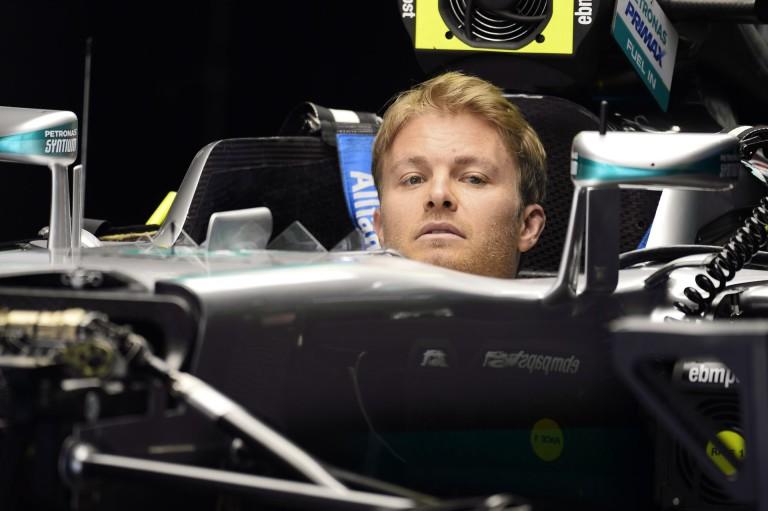 Rosberg nyerte a csonka első kínai szabadedzést Hamilton és Vettel előtt: durva defektek, motorgondok a Mercedesnél