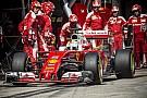 Hatalmas ziccereket hagy ki a Ferrari, amiket Rosberg rendre értékesít