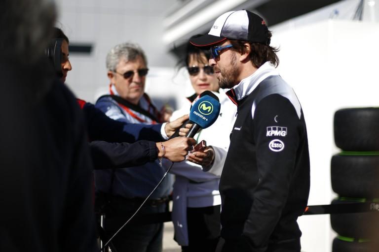 Alonso kicsit beszólt Hamiltonnak