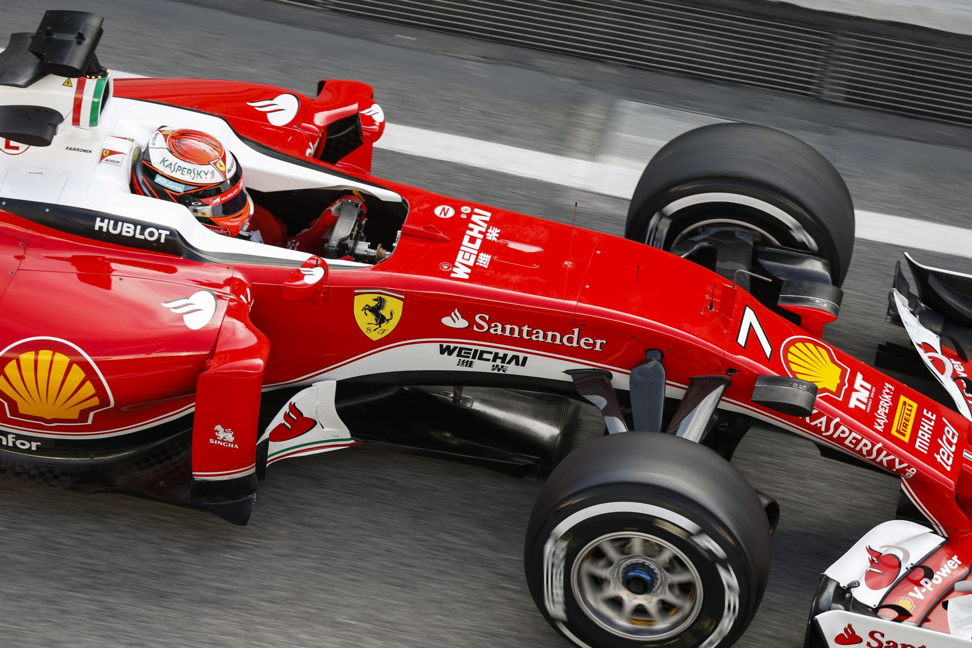 A Forma-1-es szezon előtt a Ferrari használta el a legtöbb zsetont!