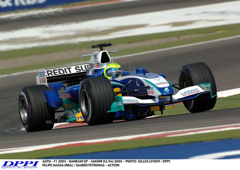 Massa onboard videója Bahreinből, amikor még a Sauber versenyzője volt