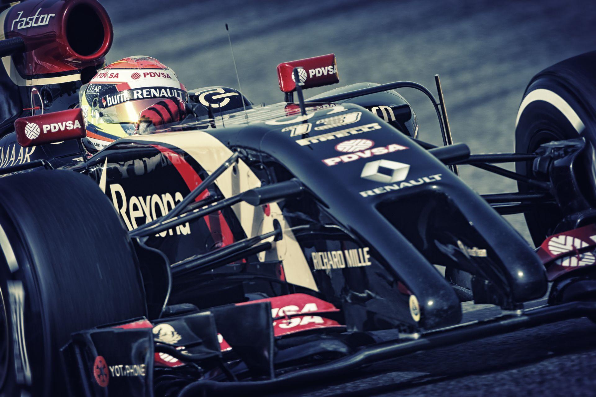 Videón, ahogy Maldonado egyszerűen a levegőbe repíti a társát az F1-es versenyen
