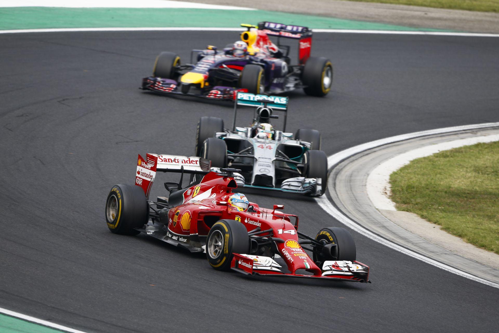 A Mercedes nem aggódik a Ferrari miatt, de örülne, ha közelebb kerülnének az olaszok