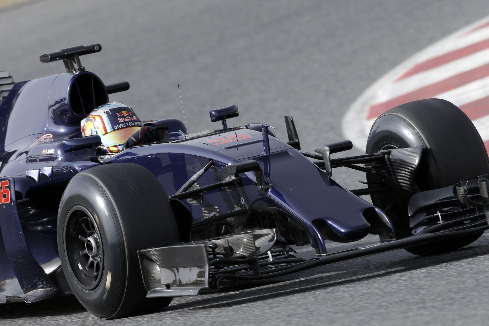 Sainz Jr ódákat zeng a Ferrari tavalyi erőforrásáról - a Toro Rossonak sokat hozhat!