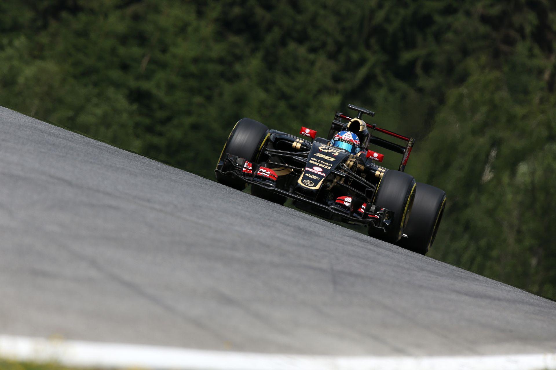 Idén is két teszt lesz szezon közben, Bacelonában és Silverstone-ban