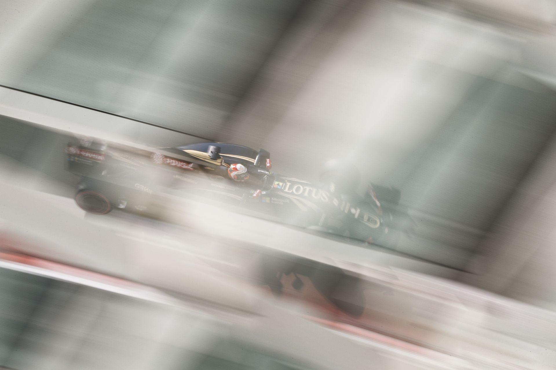 "Ecclestone: ""Ha a Renault nem veszi meg a Lotust, a csapatnak vége…"""