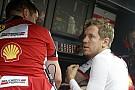 Vettel reméli, hogy az eső a Ferrari
