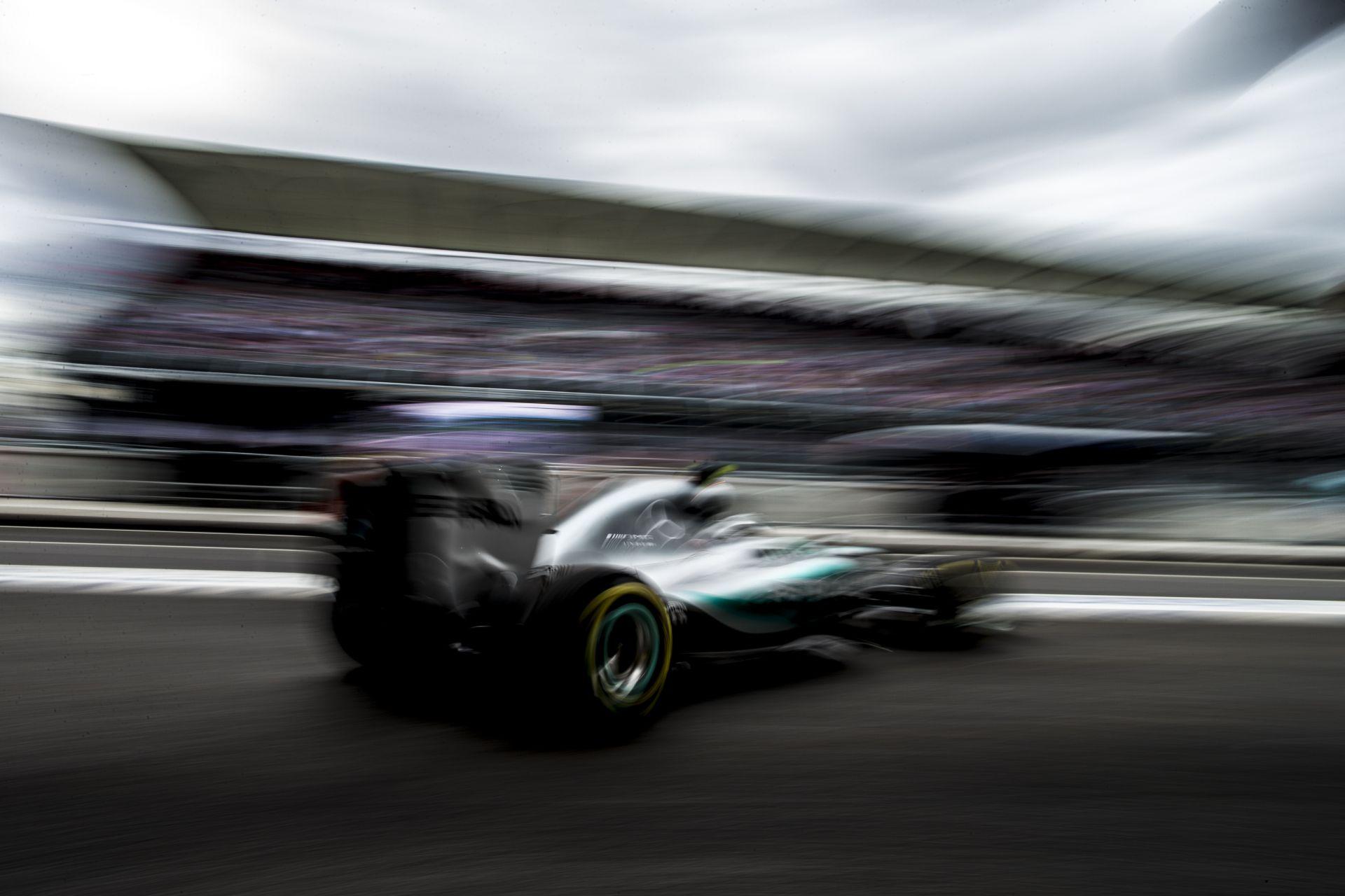 Rosberg tudja, hogy Hamilton harapni fog a rajtnál