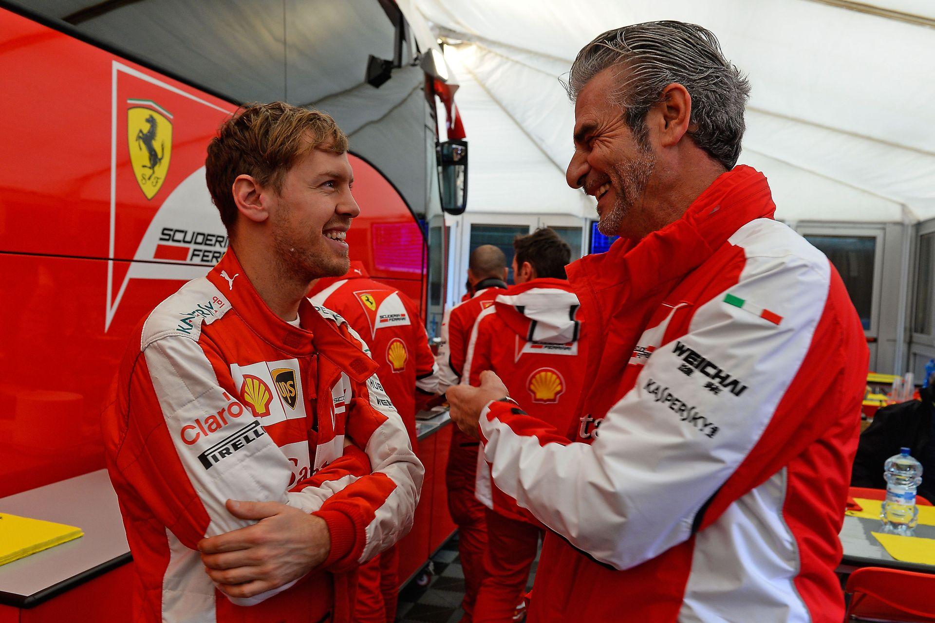 """A Ferrari nem akar beszélni Alonsóról: """"Vettel lelkesedést és nyugalmat hozott Maranellóba"""""""