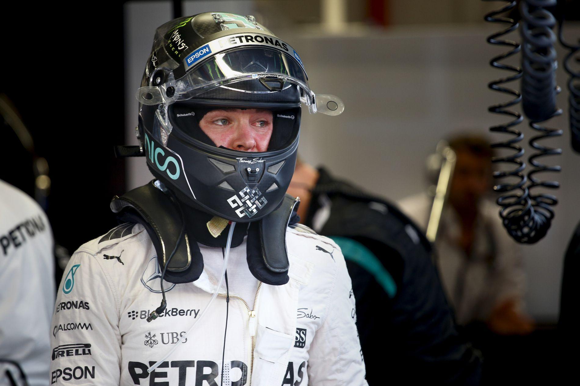 Rosberg rendkívül nagy csalódásról beszél, még törmeléket is kapott a szemébe