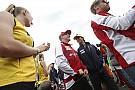 A legújabb Räikkönen pletykák - hogy áll Kimi szénája a Ferrarinál?