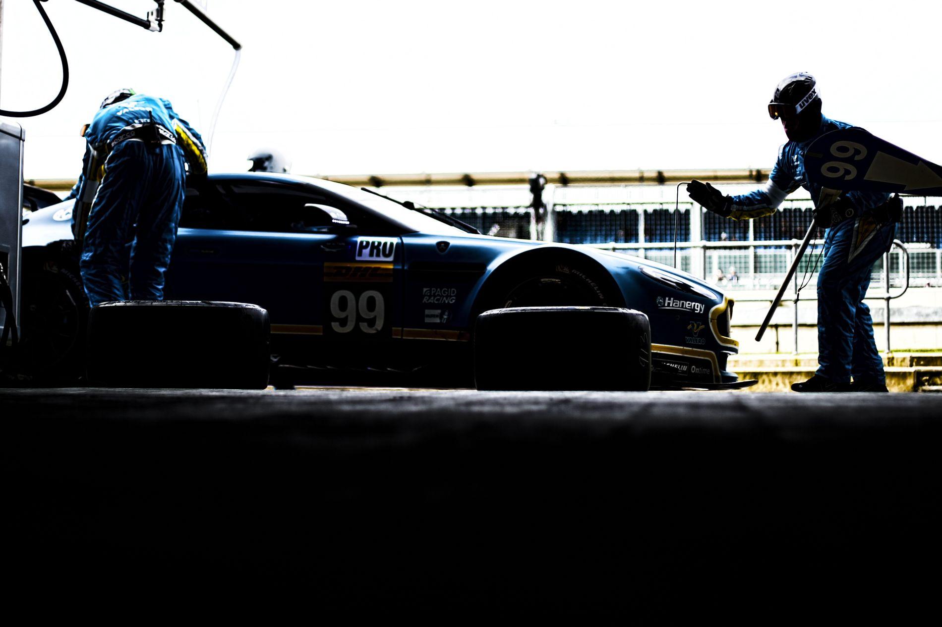 Több lehetőséget is mérlegel az Aston Martin: a Force India vagy a Williams lehet a befutó?