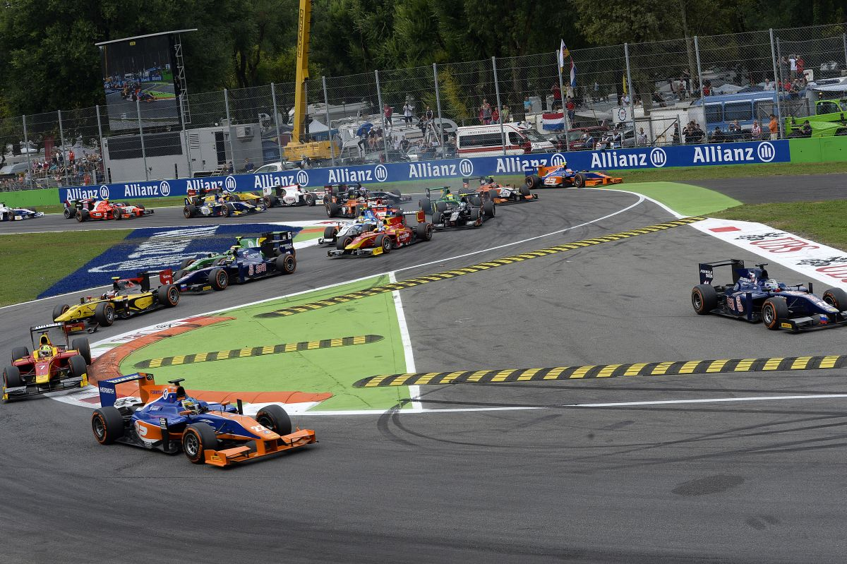 Ecclestone felturbózott GP2-es autókkal akarja kiváltani a kiscsapatokat?!