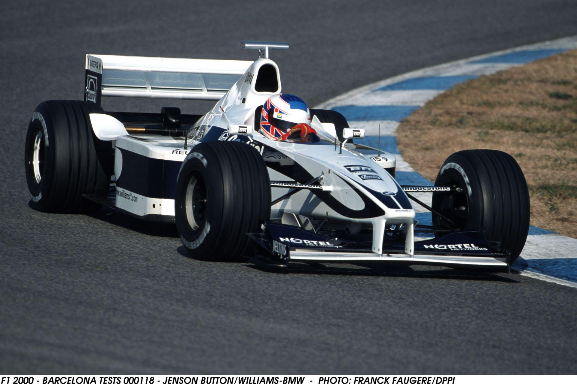 Ha Bottas a Ferrarihoz szerződik, akkor Button, Hülkenberg, vagy Vandoorne lehet Massa csapattársa