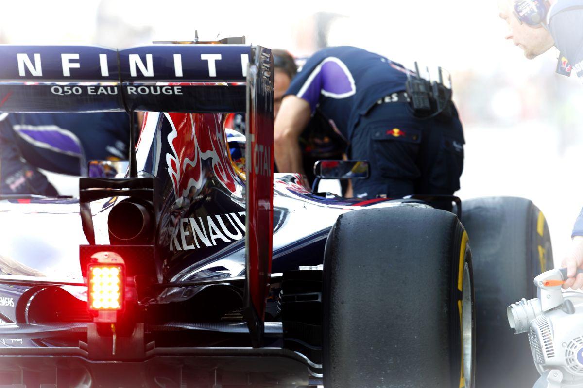 Newey tett keresztbe Vettelnek: egy mérnök sokkal hasznosabb infókkal tud szolgálni