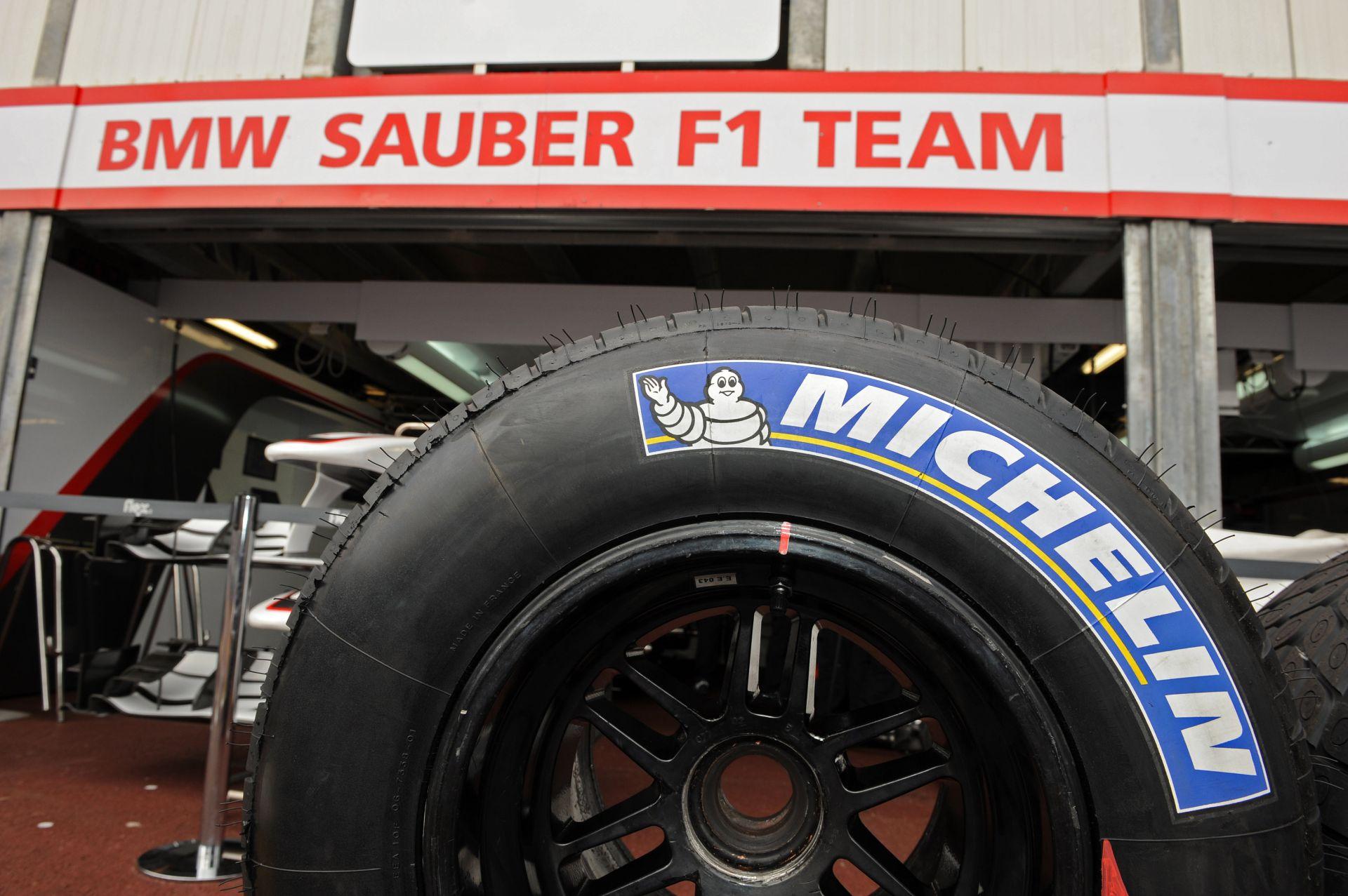 Michelin: Ha maradnak a 13 colos kerekek az F1-ben, biztosan nem szállunk be!