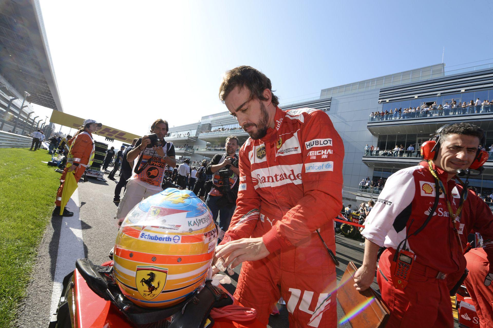 Alonso biztosan nem hagy ki egy évet a Forma-1-ben, mert csúcsformában van és újabb címeket akar szerezni