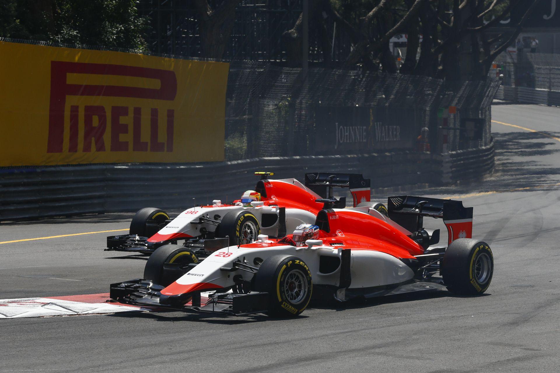"""Vajon a Manor F1 Team meddig bírja? És tulajdonképpen miből is fizetik a """"sztárokat""""?"""
