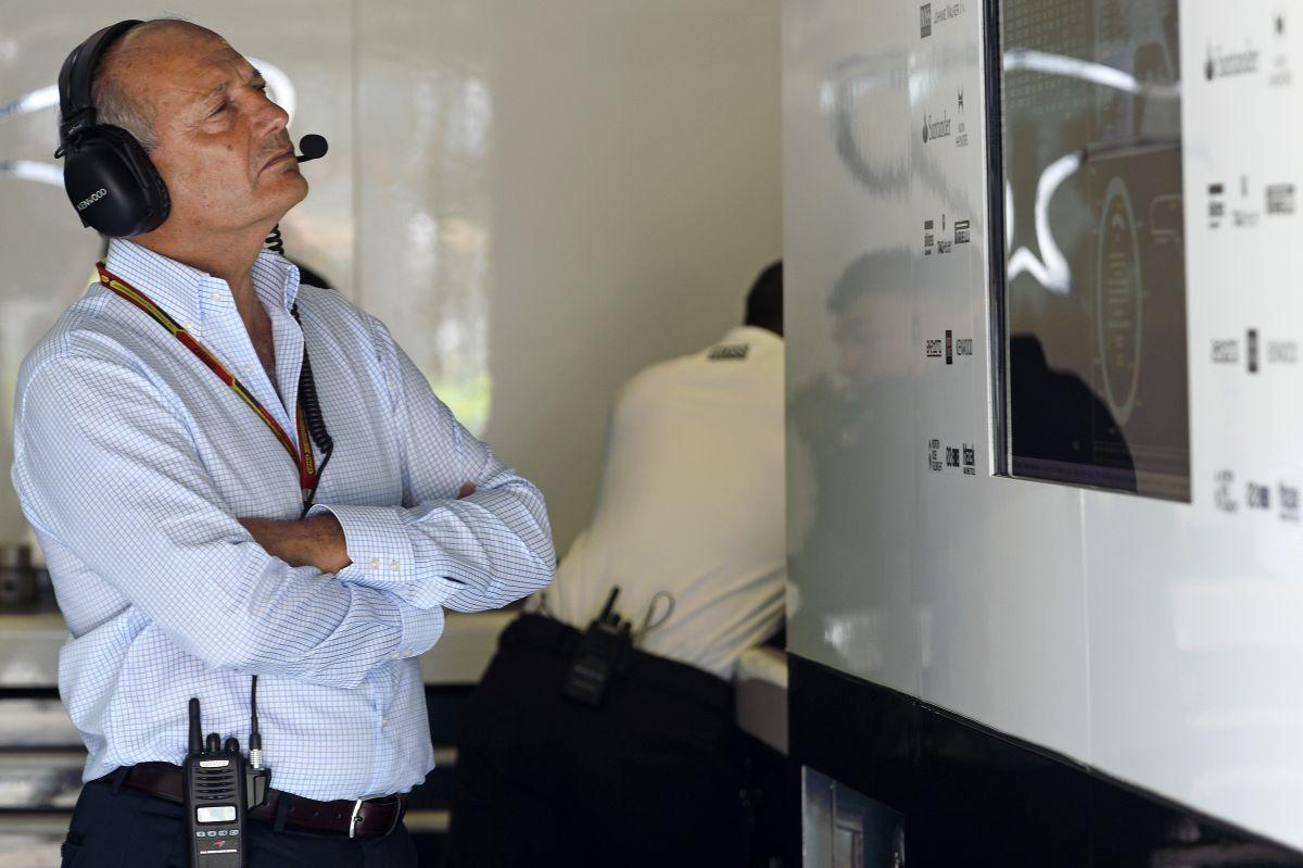 Nem biztos, hogy a McLaren ráveti magát Hamiltonra vagy Rosbergre, ha valamelyik felszabadul