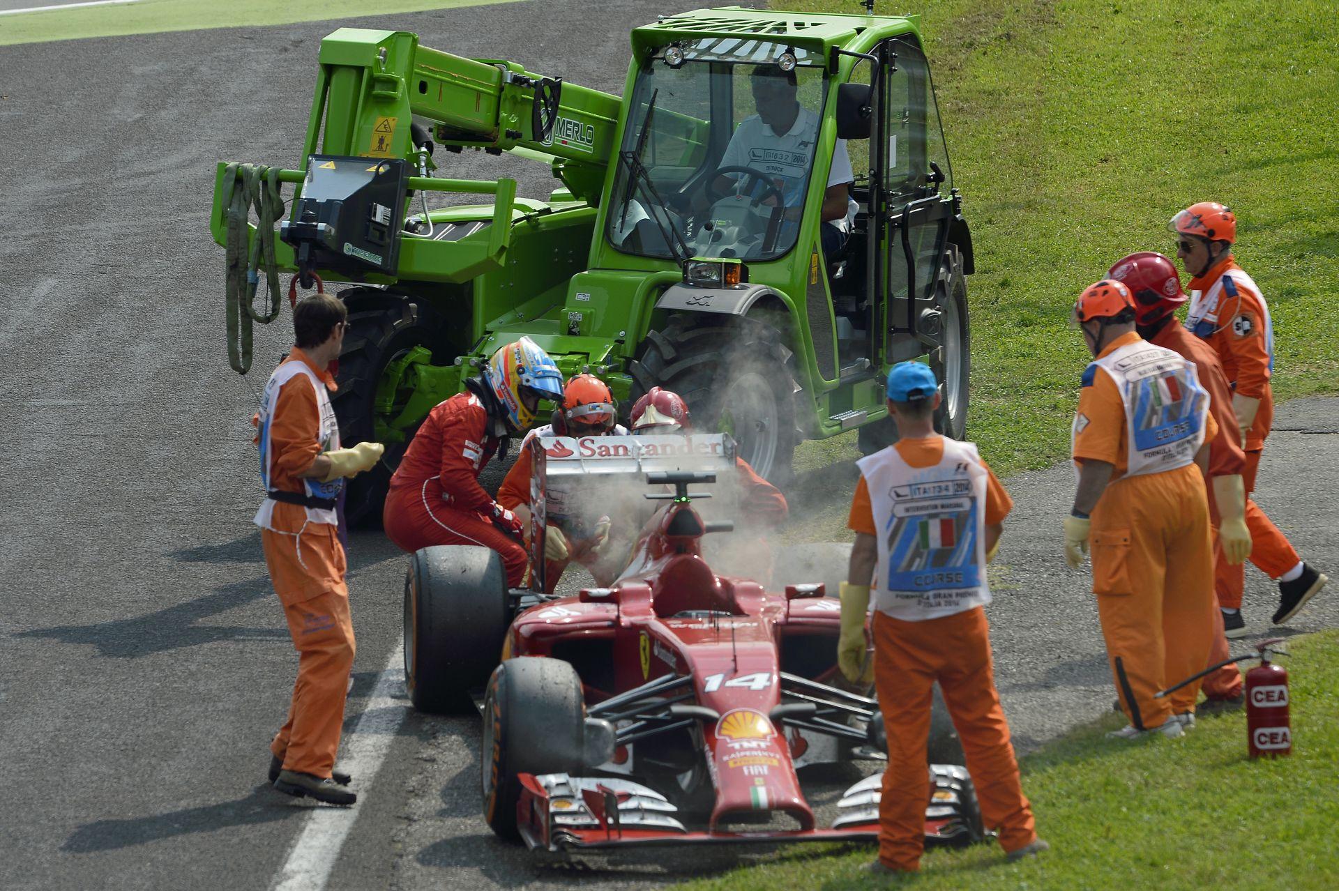 Alonso frusztrált a Ferrari miatt